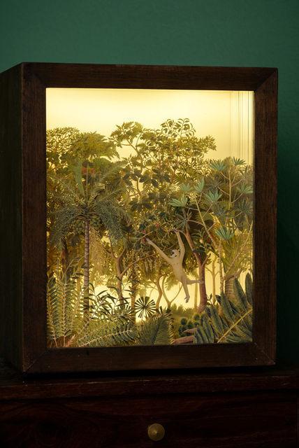 Donna Ong ,Gift, 2014 -  çin mücevher kutusu, kağıt, akrilik ve ışık kutusu - 30 × 20 × 20 cm