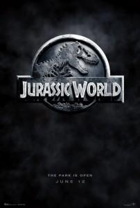Jurassic World // Ahh Ahh nerede o eski Jurassic Park! Sinemada izlediğim gün dün gibi aklımda... Ama bu yeni olan her şey gibi hissiz, sahte efekt kokulu...